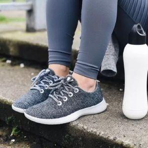 fdc00a0d5701d7 Allbirds-Women's Natural Grey Runners - Size 6